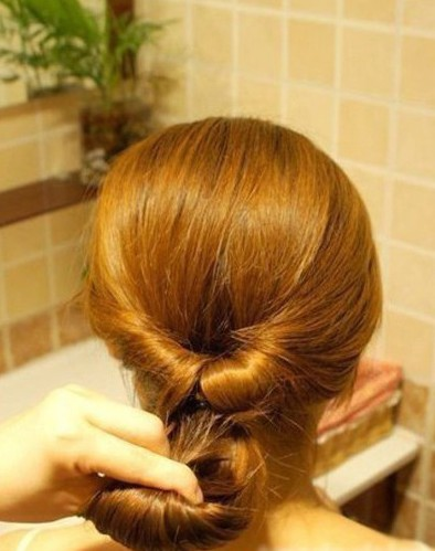 How-to-DIY-Easy-Twisted-Hair-Bun-Hairstyle-4