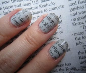 newspaper-nail-art
