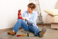 Masters_Woman-with-Drill_550