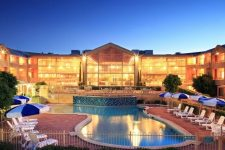 win-stay-abbey-beach-resort
