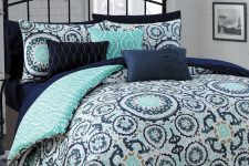 win-bed-and-blanket-set-of-your-choice