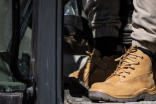 win-2-pairs-rossi-boots